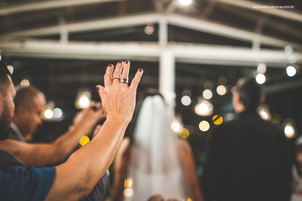 casamento rj - benção dos  noivos - Maison Delly
