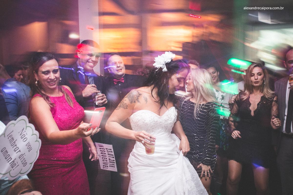 casamento rj - noiva dançanda - Maison Delly