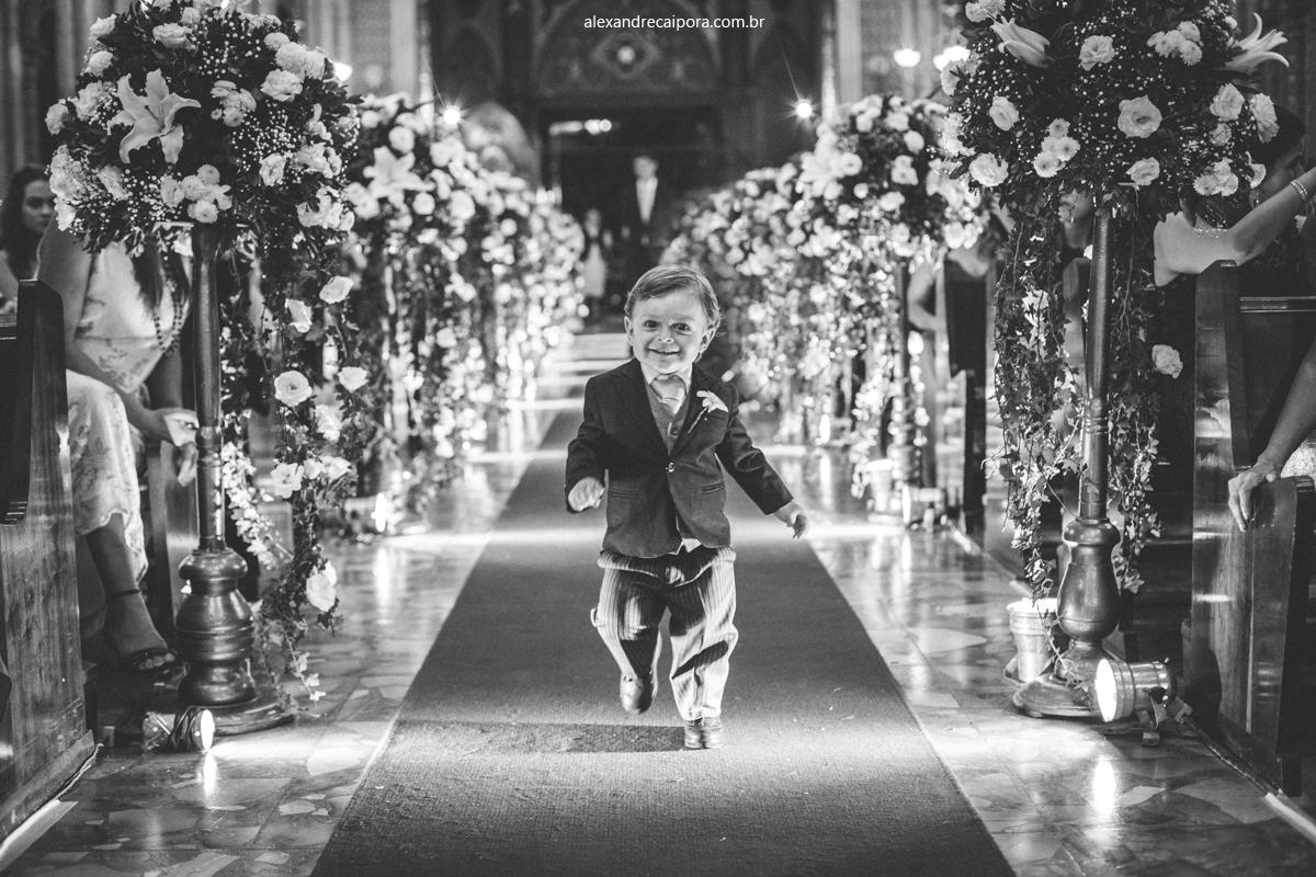 Igreja-Imaculada-Conceição-fotografia-casamento-RJ-Fernanda-e-Diego-por-Alexandre-Caipora-pajem