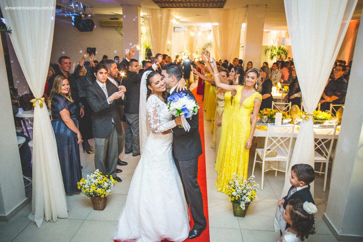 saida da noiva com sparkles