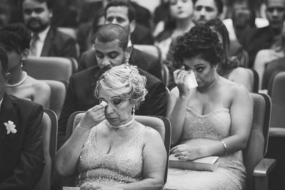 convidada e mãe do noivo do casamento em belo horizonte bh foto os olhos enxugam