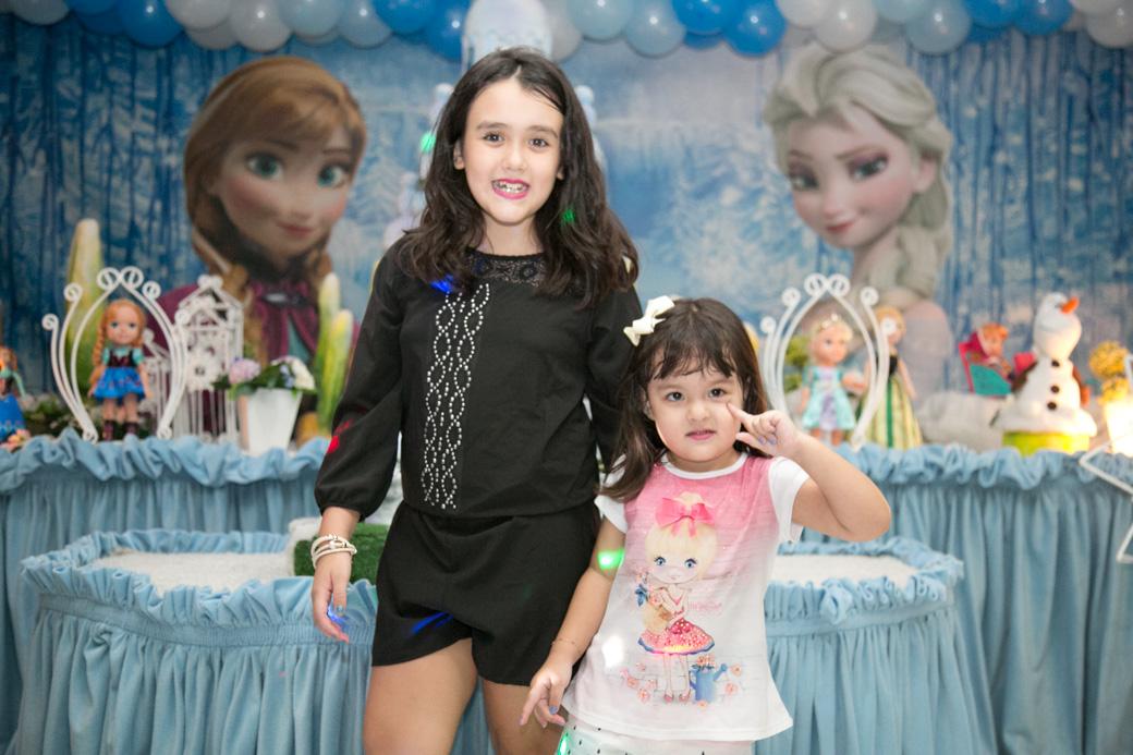 Fotografia infantil aniversário Guarulhos Camila Kobata Luiza 3 anos Frozen Buffet strick Nick