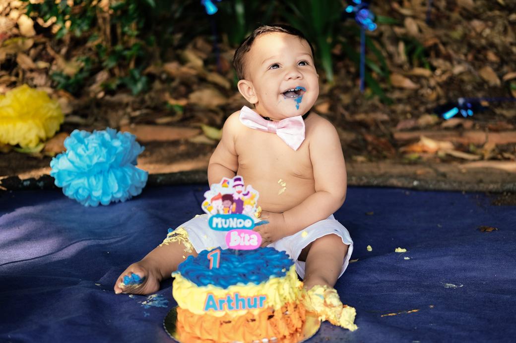 smash the cake ensaio cotidiano museu ipiranga Arthur fotografia infantil Camila Kobata