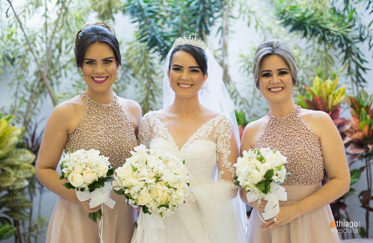 Noiva e irmãs em making of no salão do Evando Faria Hill, pelo fotografo Thiago Mesquita