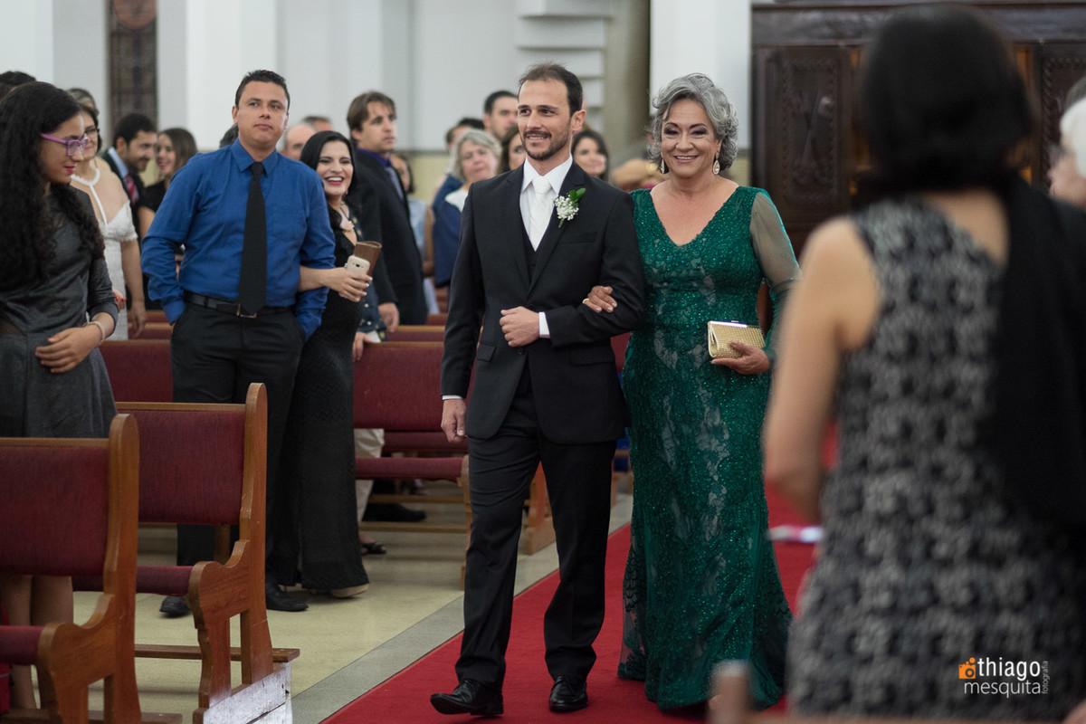 Entrada do noivo na Igreja Nossa Senhora das Dores