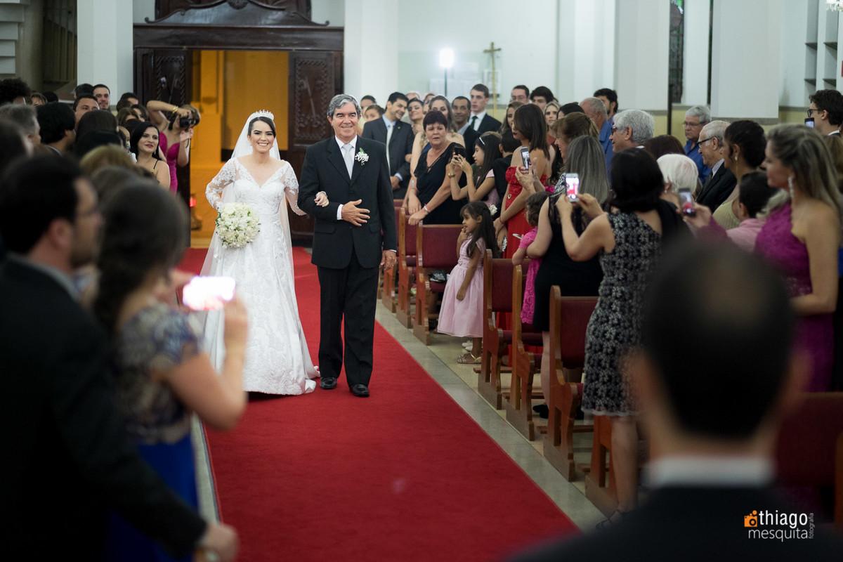 Entrada da Noiva na igreja Nossa Senhora das Dores de Uberlândia