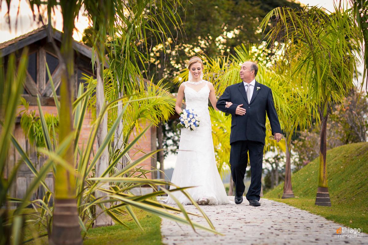 entrada da noiva na cerimônia de casamento em são Paulo, pelo fotografo Thiago Mesquita