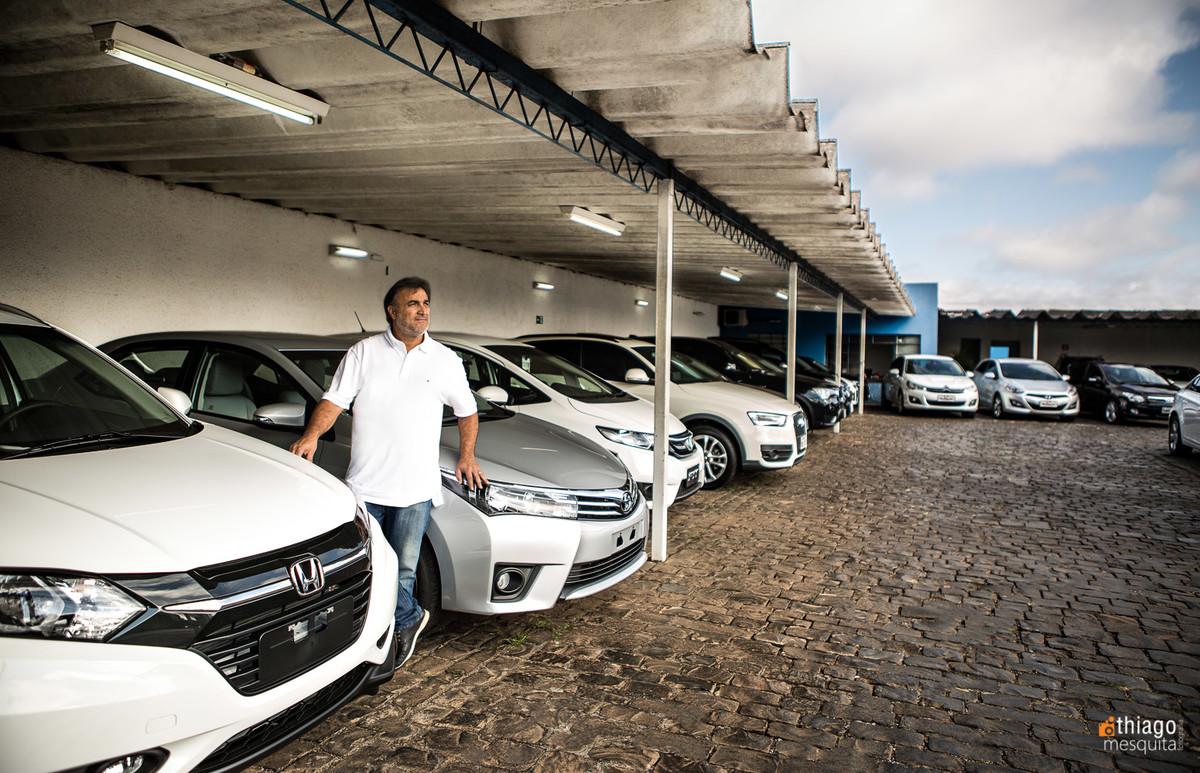 unimarcas veículos de luxo em uberlandia - Albemar Martins - revenda de veículos novos e semi-novos