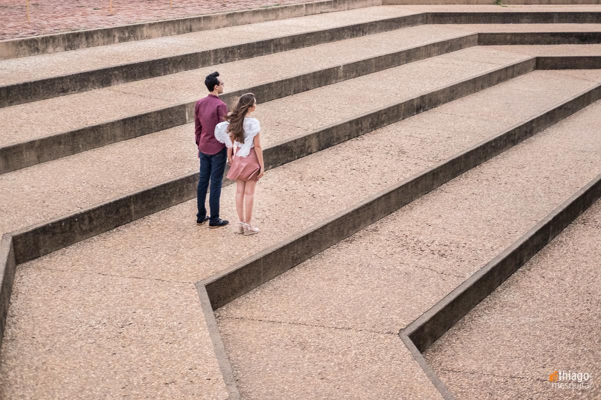 Ensaio de Prewedding na escadaria da Prefeitura