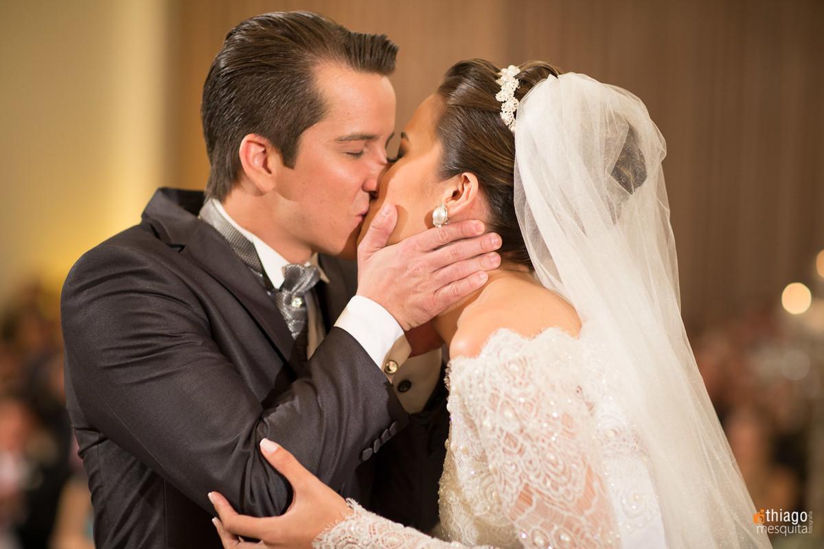 Beijo dos noivos Danielle e Raphael, Thiago Mesquita fotografo