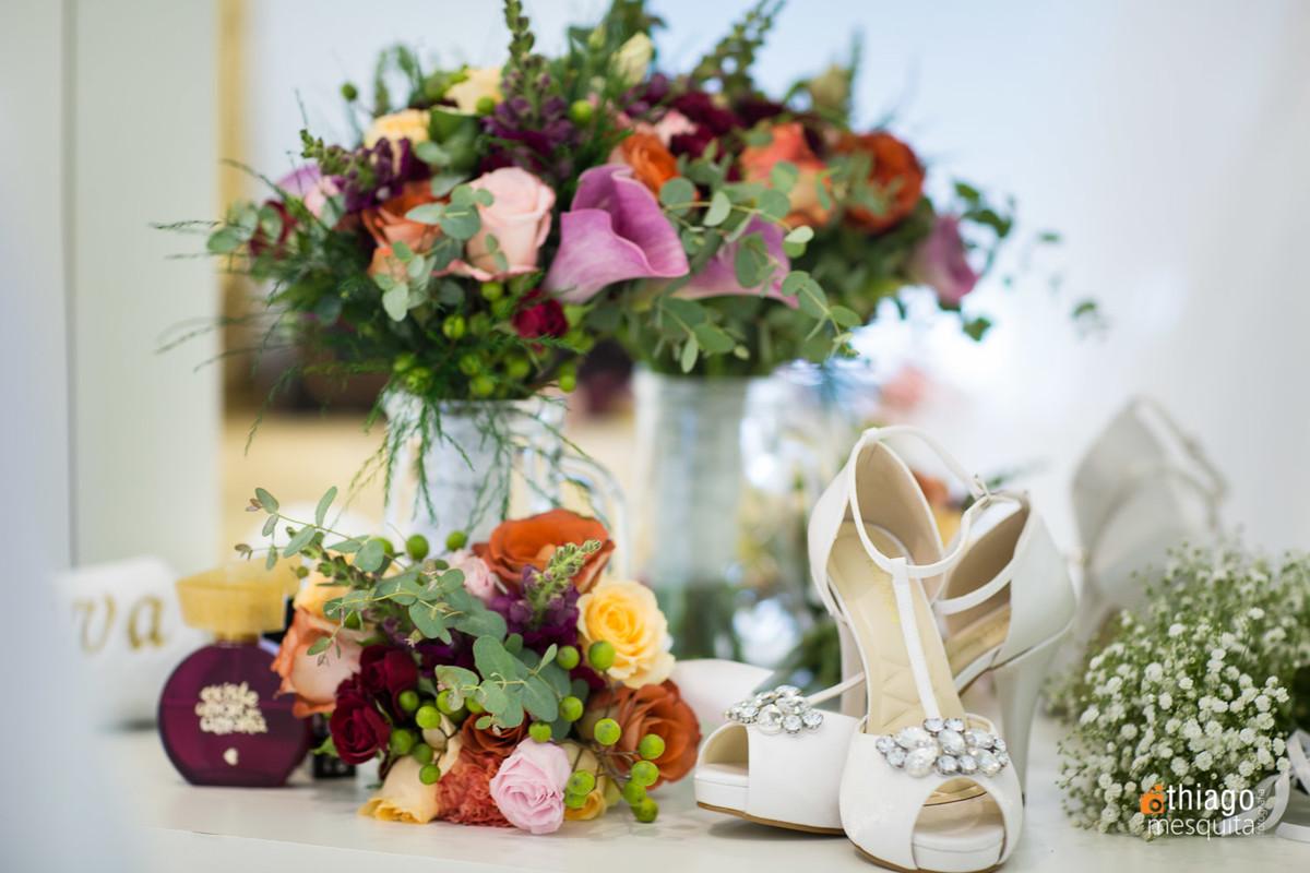 Buquê colorido da noiva camila, Adriana Mesquita