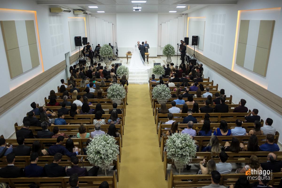 corredor de igreja casamento camila e daniel