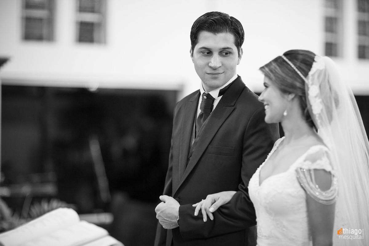 troca de olhares noivos
