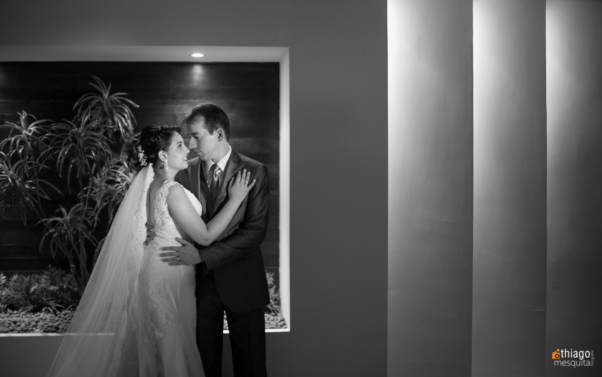 Sessão de fotos do casal logo após o casamento