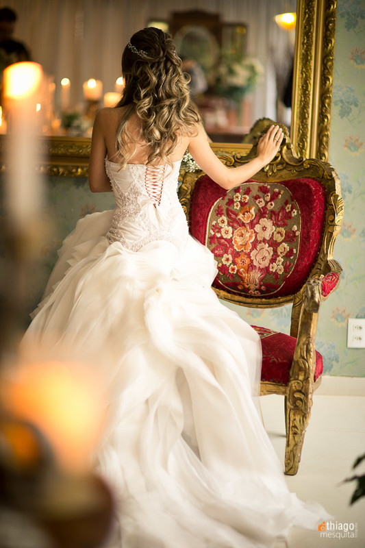 Costas do vestido de noiva Lena Atelie em Uberlandia - MG