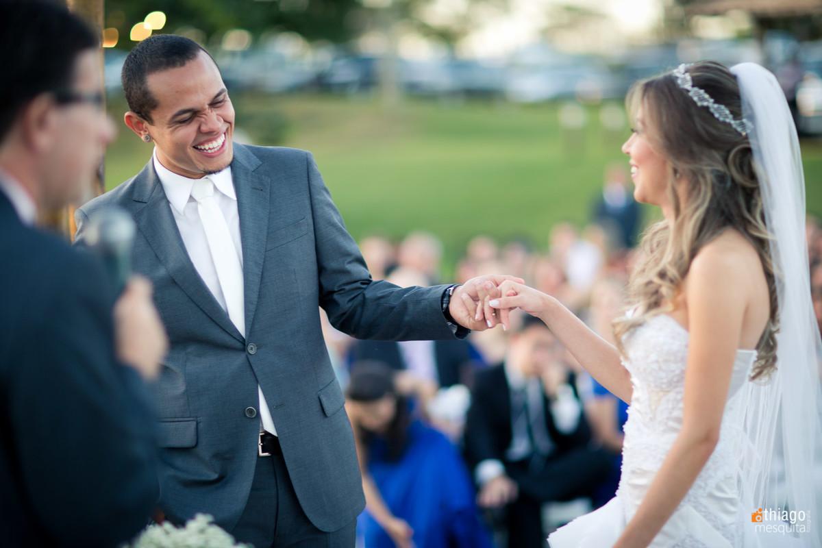 Reação do noivo ao ver a noiva