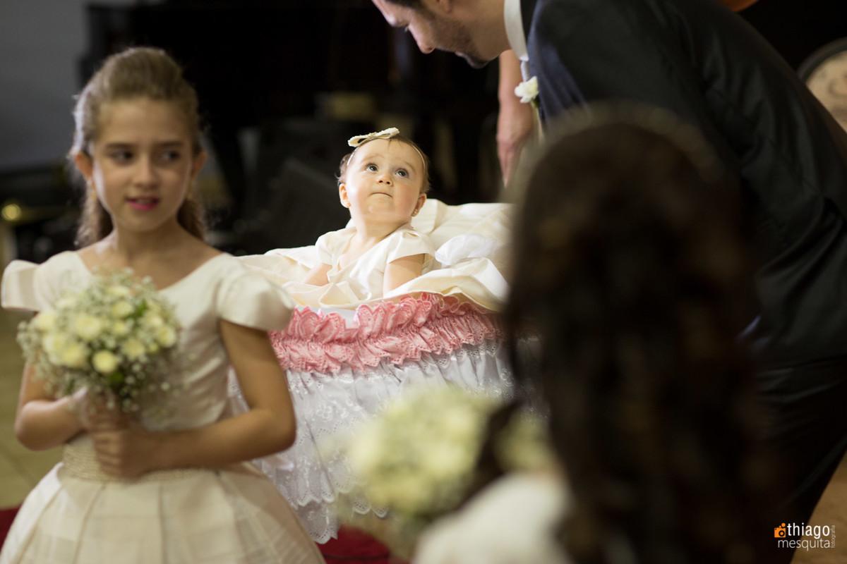 daminha no carrinho de bebê