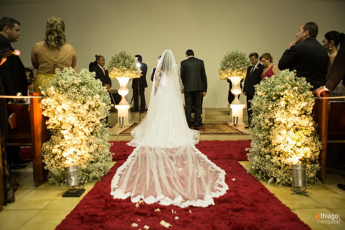 véu de noiva - corredor da igreja presbiteriana - decoração simone zanata