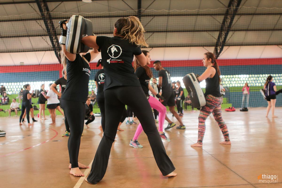 mix e cross fight, fit, luta marcial