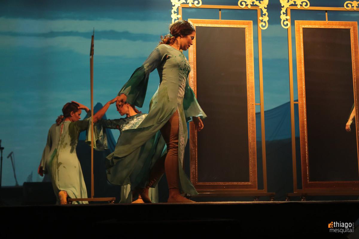 dança e teatro mulheres águias 2016 espelho