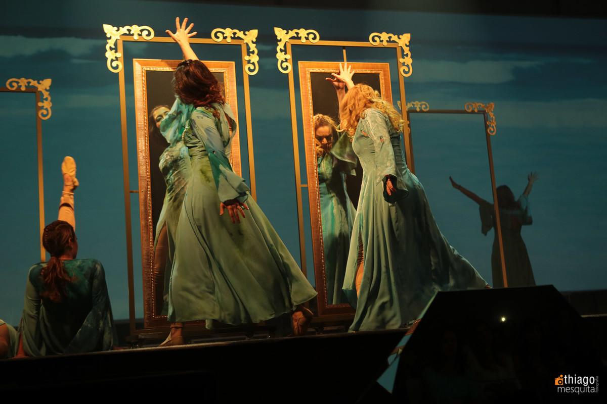daniela e Kelen dança e teatro mulheres águias 2016