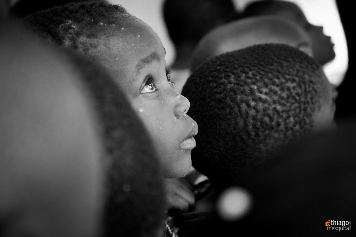 atendimento médico em moçambique dondo pela ong missão áfrica - feridas no rosto