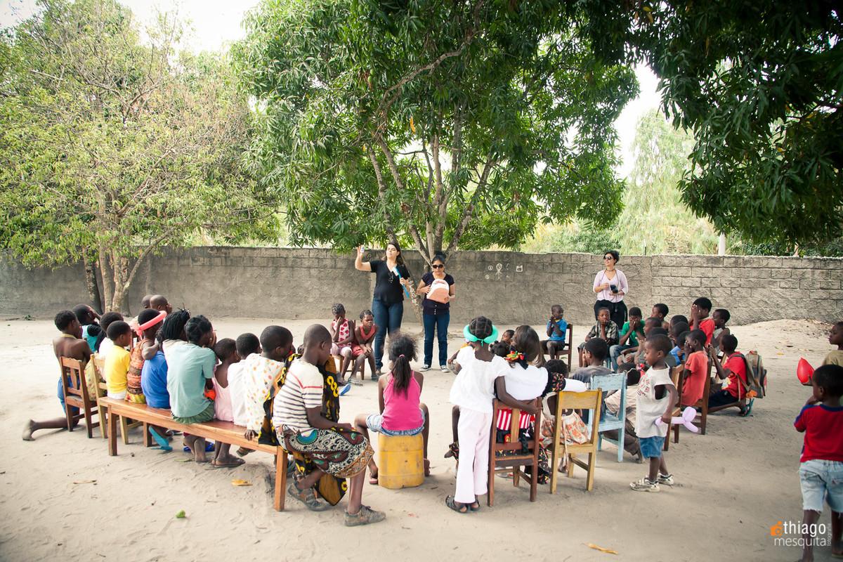 educação e higiene bucal na áfrica em dondo - jocum - ong missão áfrica