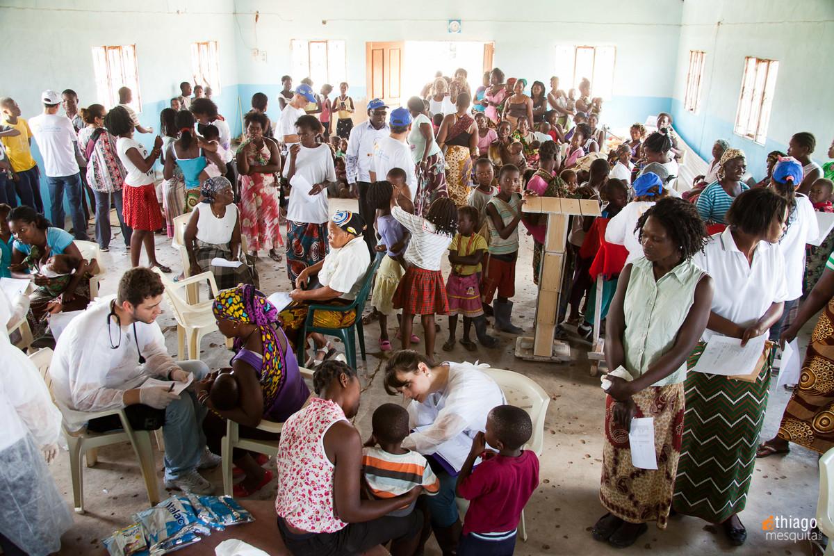 atendimento médico em moçambique dondo pela ong missão áfrica - lotação