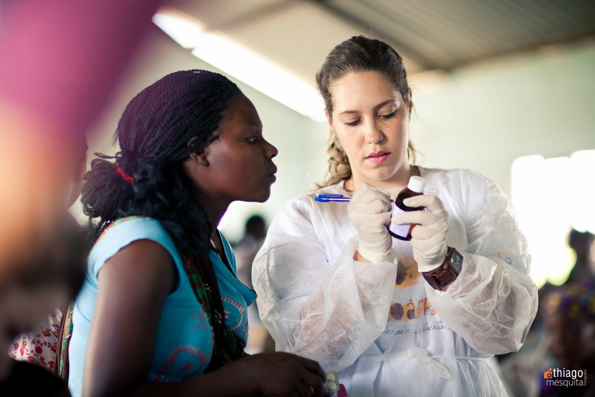 atendimento médico em moçambique dondo pela ong missão áfrica - prescrição médica