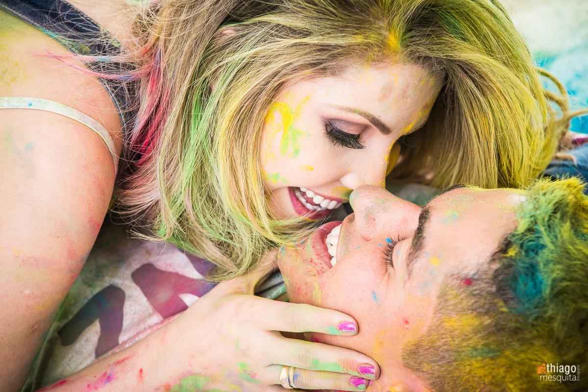 sessão de fotos com tinta em pó - sessão cheia de cores