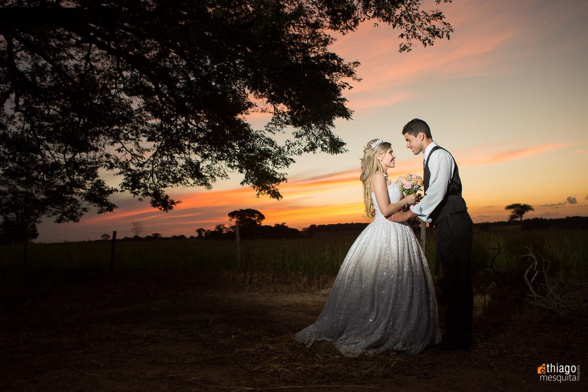 afterwedding - pós casamento - trash the dress - uberlândia - Thiago Mesquita - Franciele e abner - pôr do sol