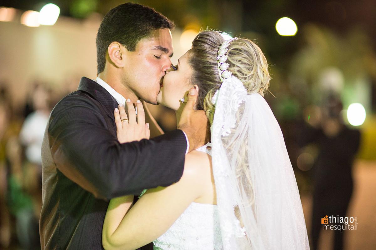beijo no altar. Thiago Mesquita. Uberlândia