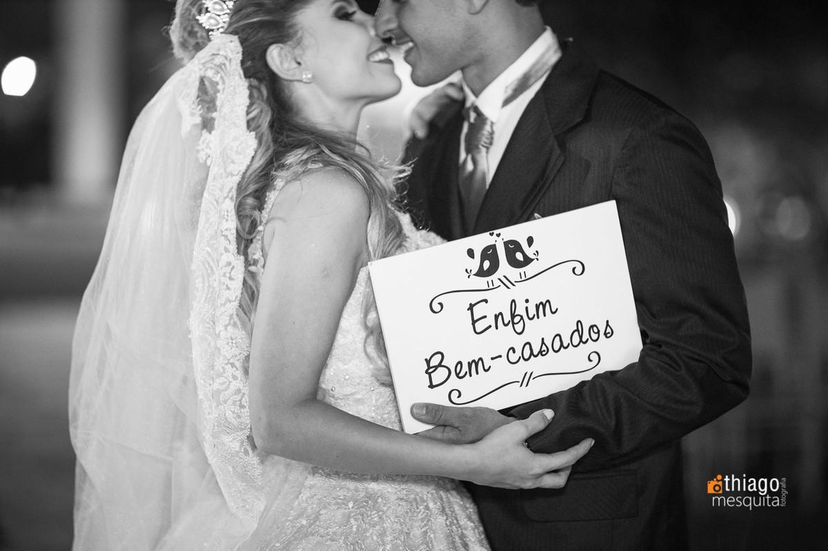enfim bem-casados placas para casamento. Thiago Mesquita. Uberlândia