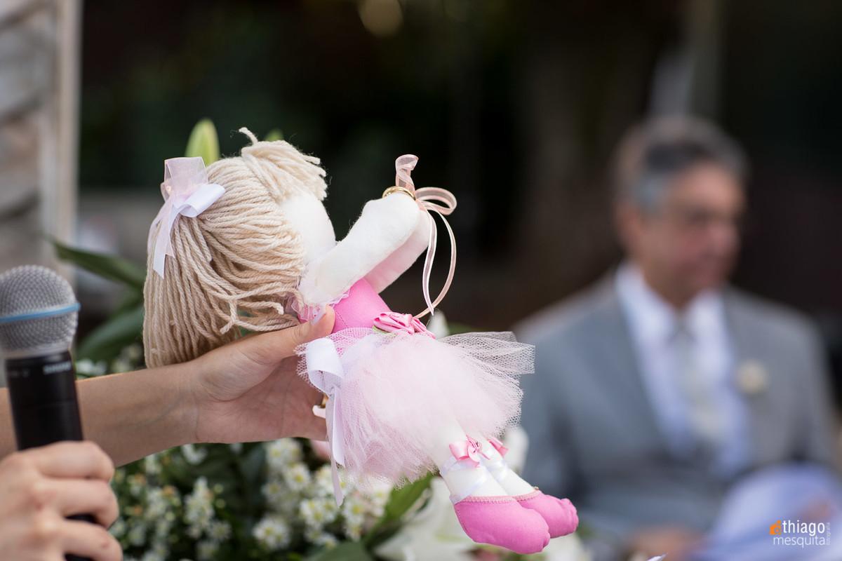 boneca com alianças - casamento em uberlândia no villa alvim