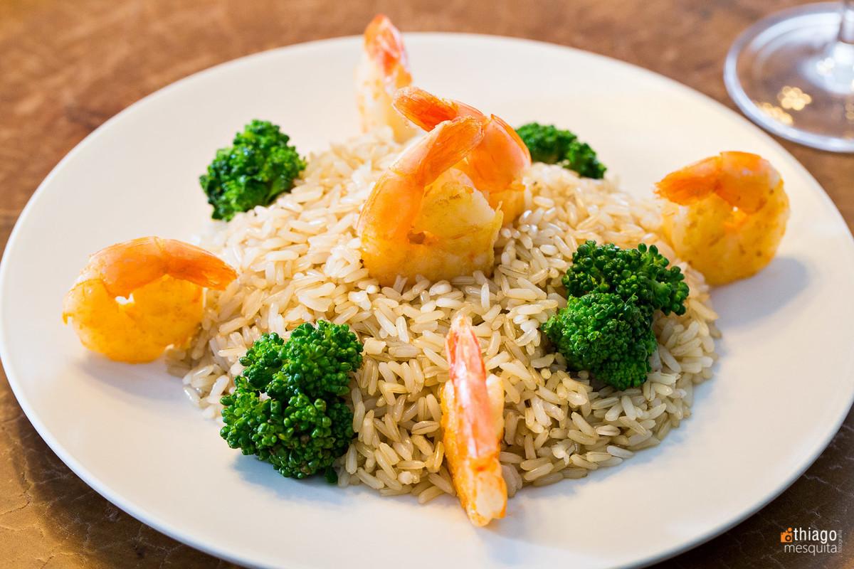 fotografia de alimentos - los gourmets - thiago mesquita - uberlândia - camarão arroz e brocolis