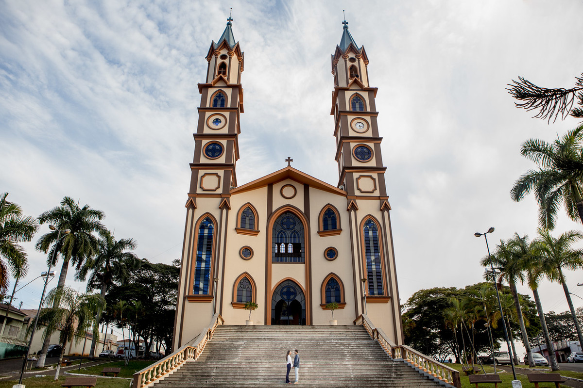 pre casamento em passos igreja matriz monica e hiran