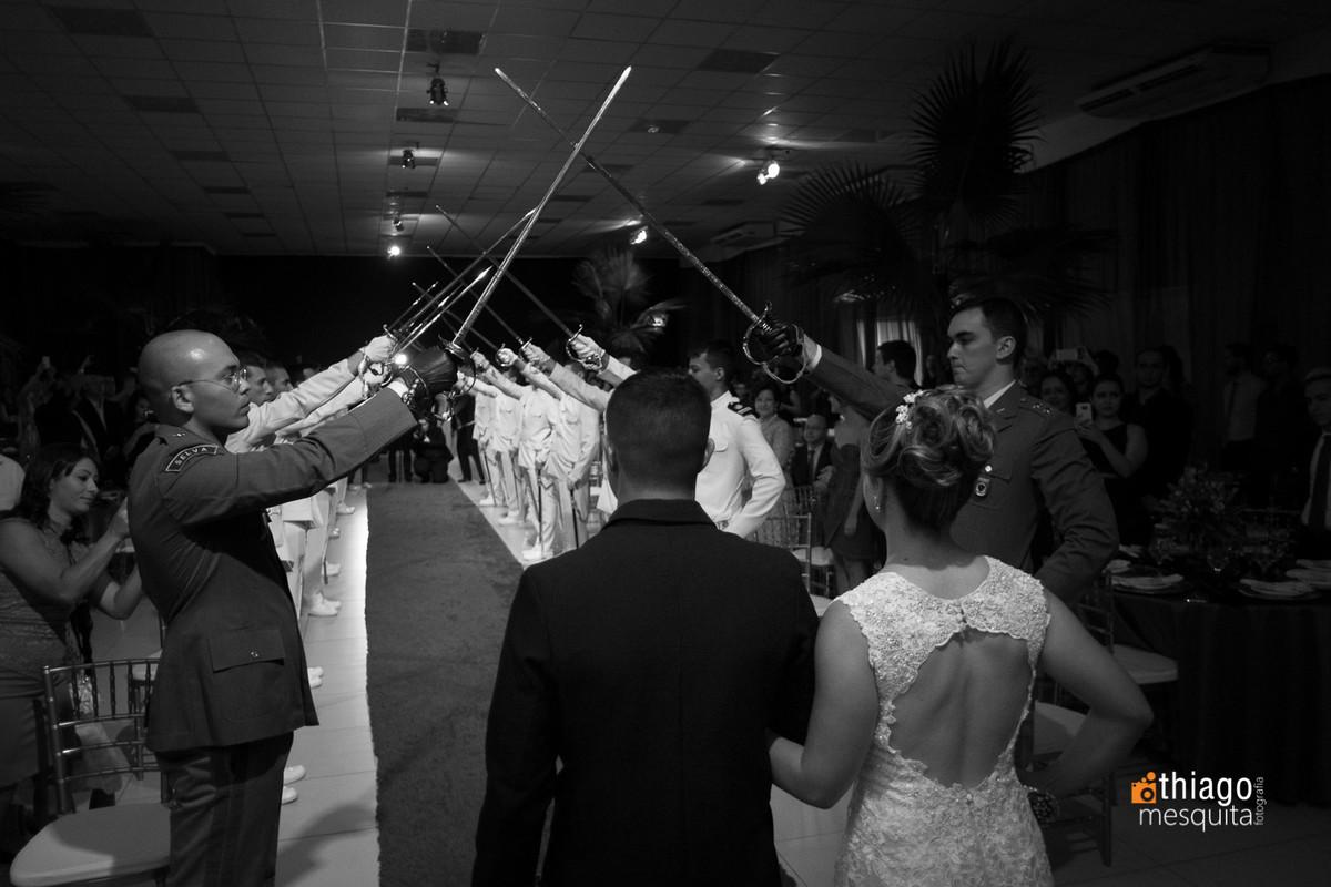danila e diogo casamento em araguari fotografado por thiago mesquita teto de aco