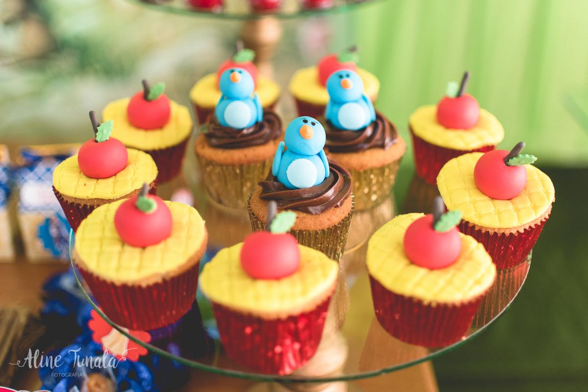 cupcakes de passarinho e maçã da branca de neve cachoeiro de itapemitim