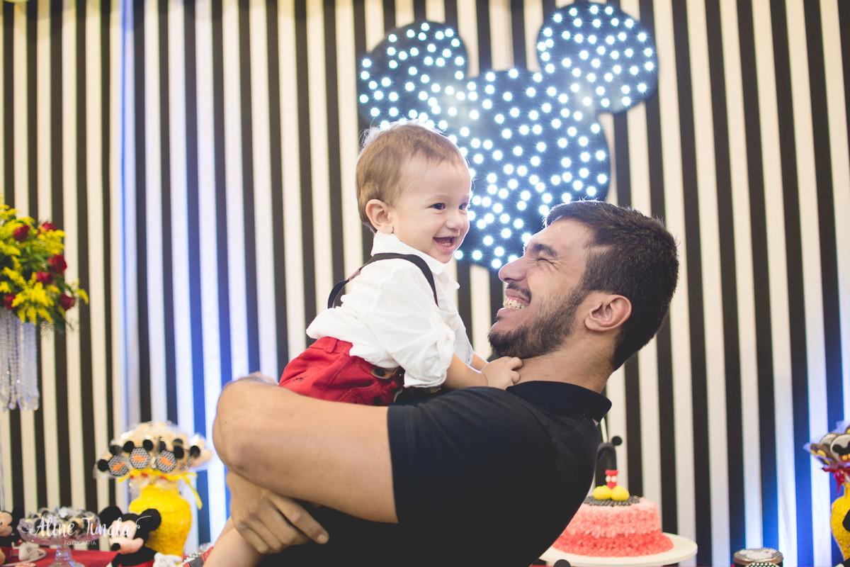 fotografia de aniversário infantil, aniversário infantil, Mickey, tema Mickey, decoração Mickey, Cachoeiro de Itapemirim, ES, Jaraguá Tenis Clube, smash the cake, fotografia infantil