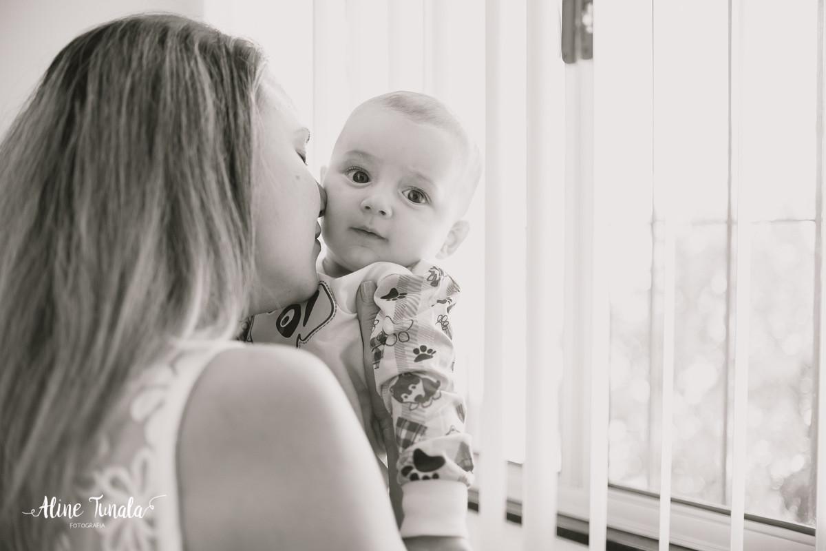 ensaio em casa, fotos em casa, ensaio lifestyle, lifestyle, fotografia infantil, acompanhamento de bebês, cachoeiro de itapemirim