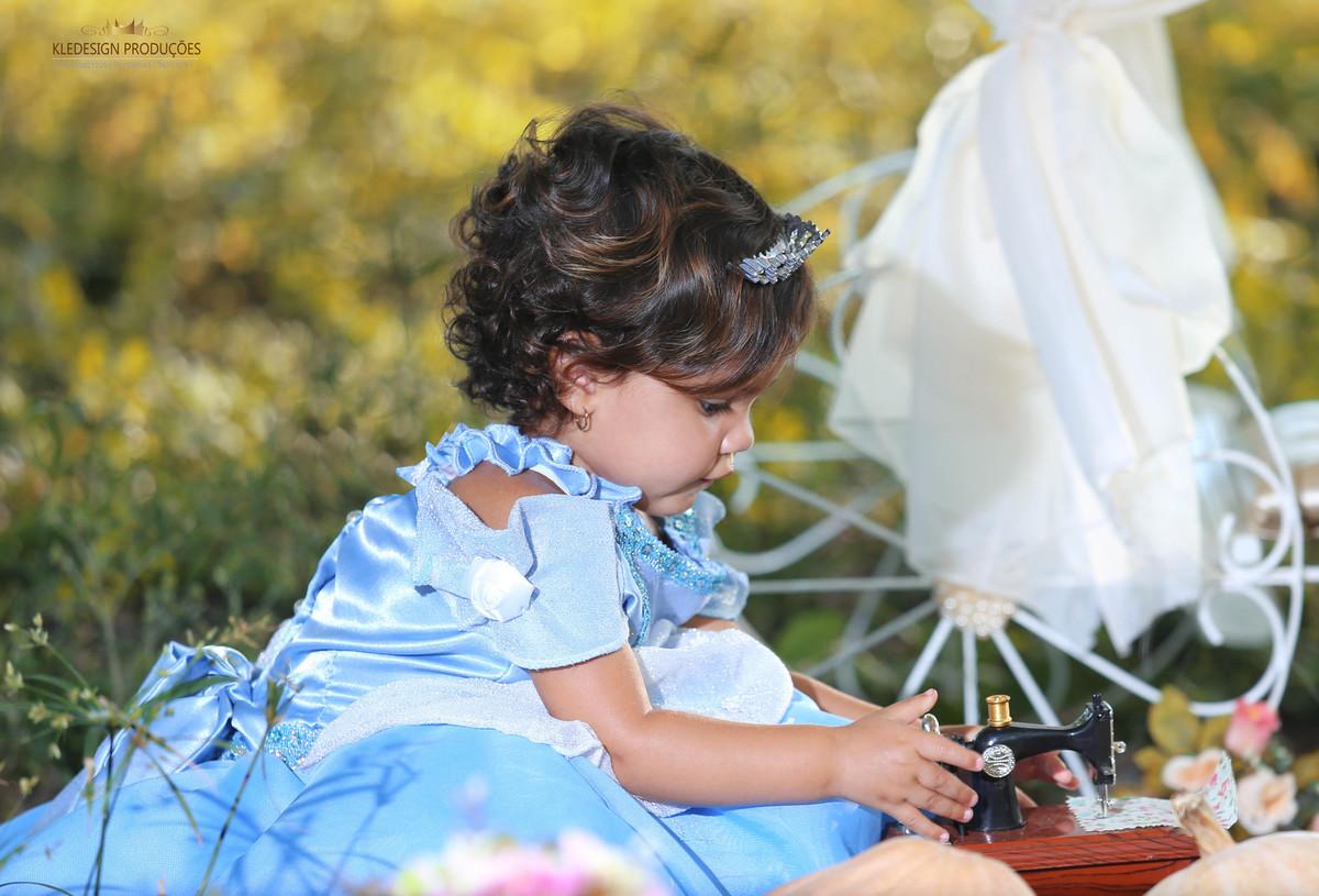 Foto de Cinderela Ana Cecília 1 Aninho