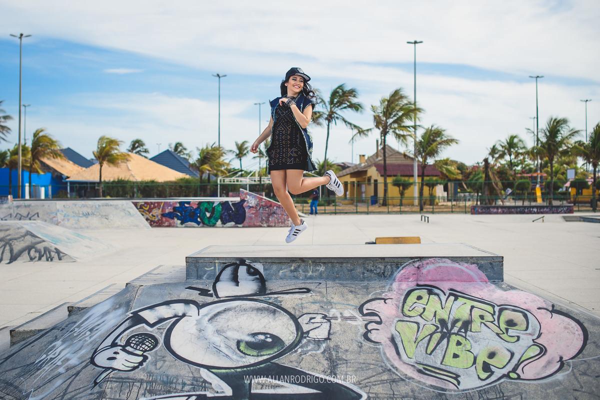 Pulando na pista de skate da orla Aracaju