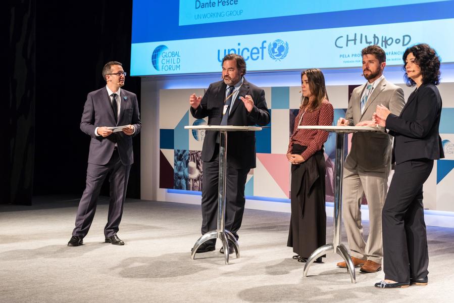 Debate durante o evento Global Child Forum on South America photographed by Romero Cruz