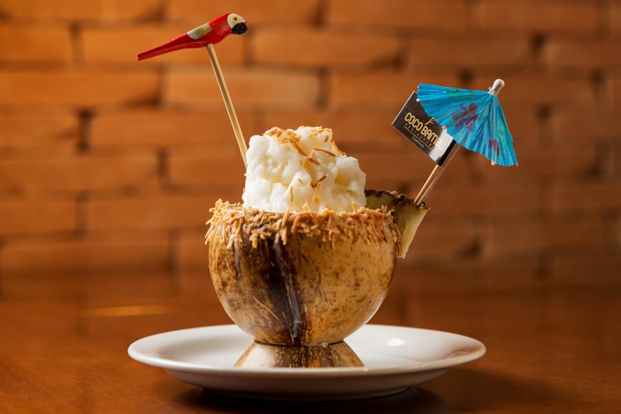 Drink coco frozen do restaurante Coco Bambu na fotografia do fotógrafo de gastronomia Romero Cruz