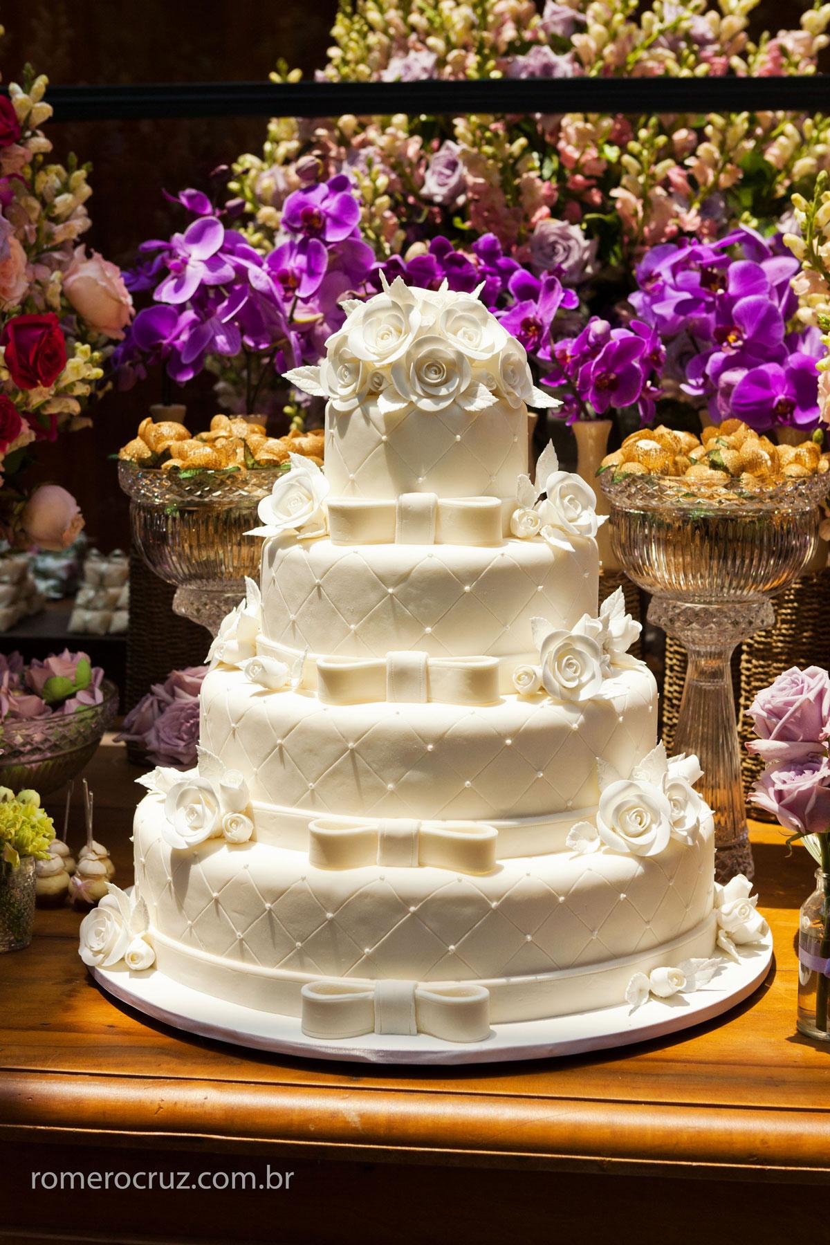 Bolo de casamento fotografado pelo fotógrafo profissional Romero Cruz no restaurante Cantaloup em São Paulo-SP