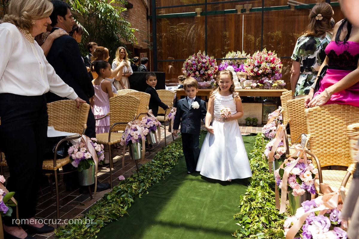 Daminha e Pajem em casamento no Restaurante Cantaloup