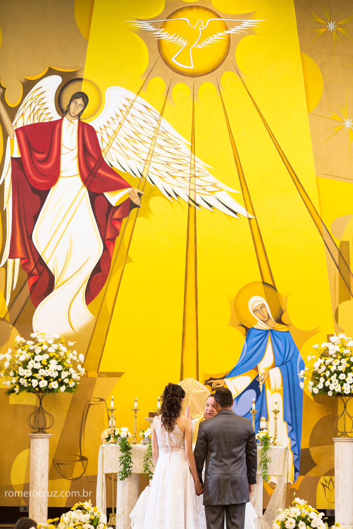 Casamento dos noivos Amanda e Robson na Igreja Verbo Divino em São Paulo-SP fotografado pelo fotógrafo Romero Cruz