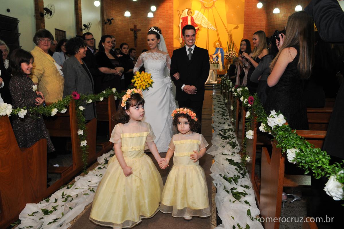 Casal Marlyan e Bruno se casam na Igreja Verbo Divino na Chácara Santo Antonio em São Paulo