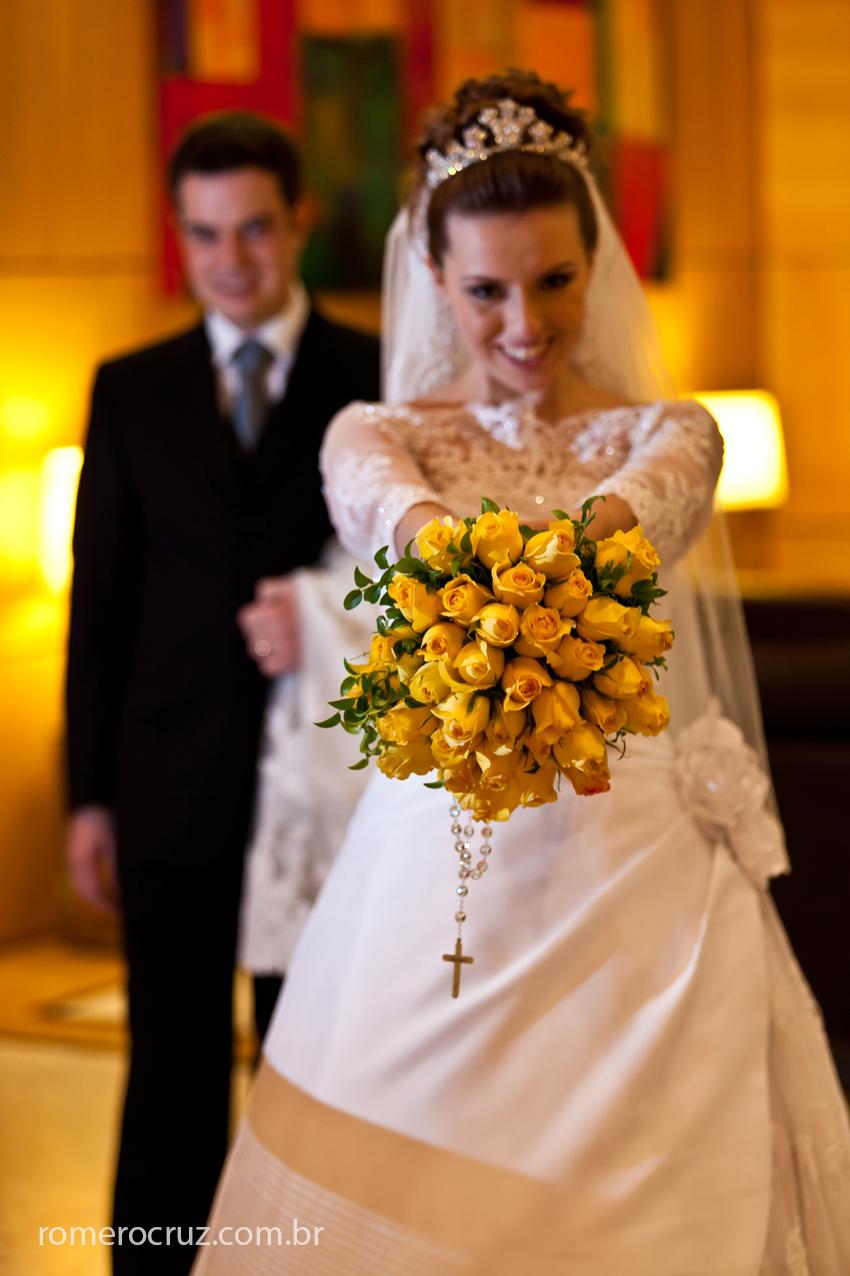 Ensaio fotográfico de noivos feito em hotel