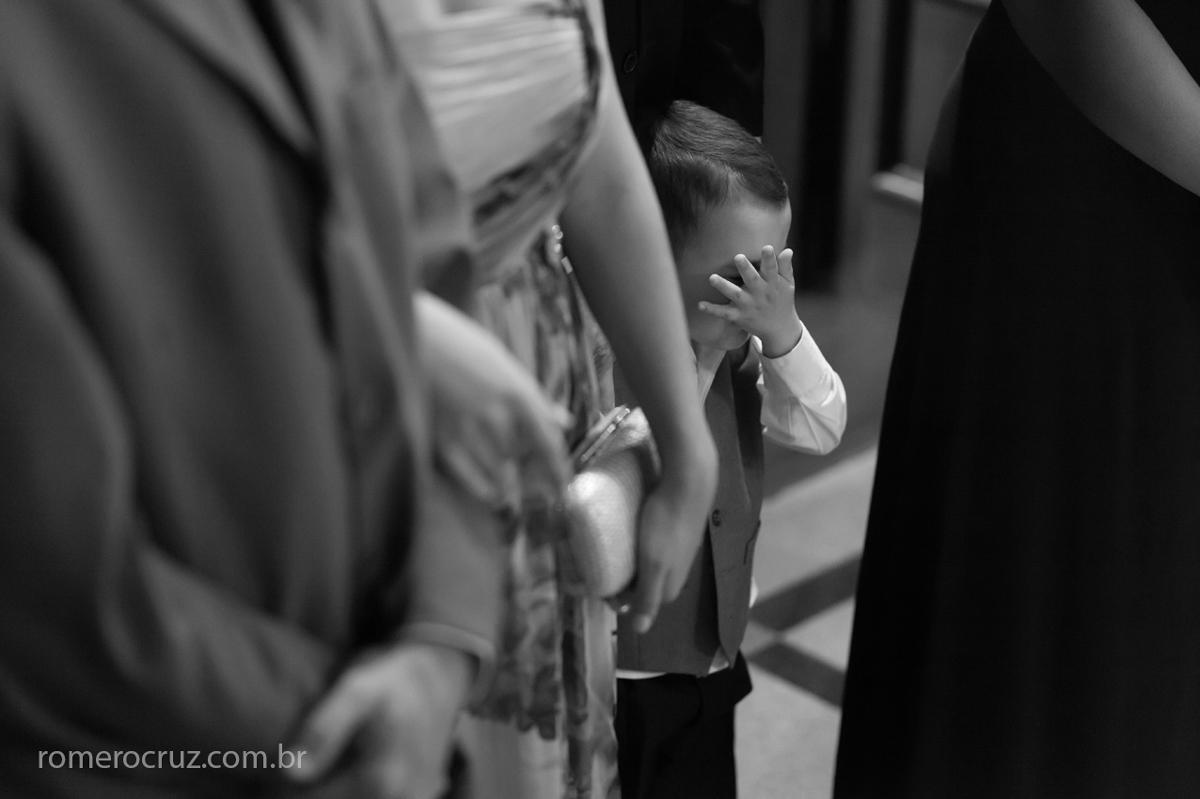 Foto do pajem de casamento na fotografia do fotógrafo profissional de casamento Romero Cruz